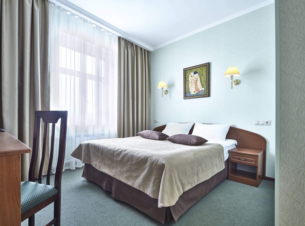 адреса и телефона гостиниц города москвы